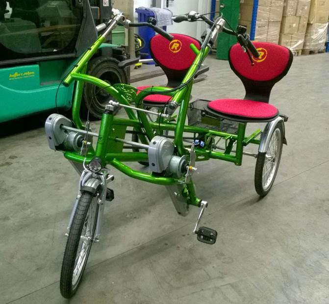 Fahrrad-Tandem für Rundfahrten über das Festgelände